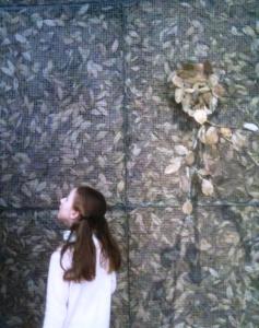minie et les feuilles2